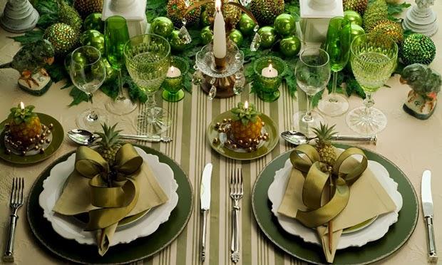 Mesa natalina com tons de verde