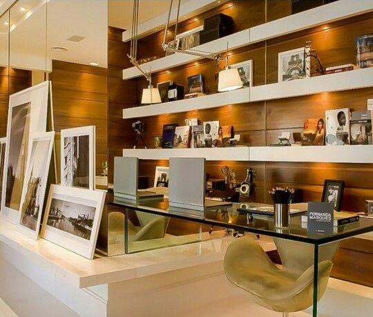 Home office pequeno. Projeto: Fernanda Marques.